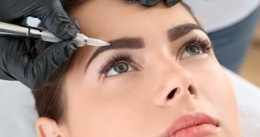 В чем разница между перманентным макияжем и татуажем